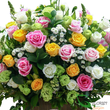 Saigon mixed roses basket free delivery